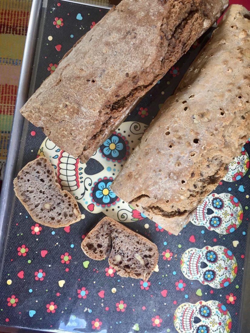 Brot mit Nüssen